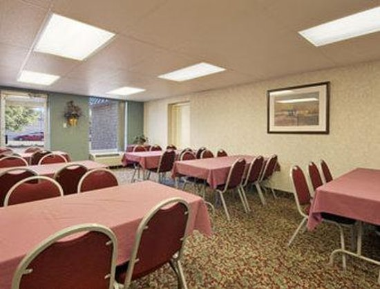 Days Inn Cambridge: Meeting Room