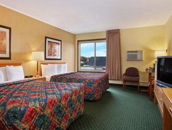 Days Inn International Falls: Standard Two Queen Bed Room