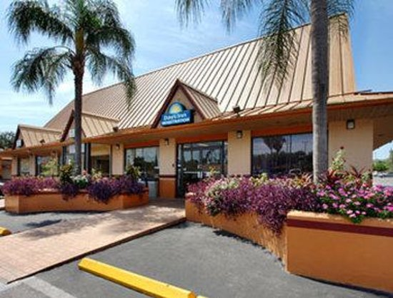 Welcome To The Days Inn Tampa West Of Busch Gardens