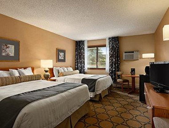 Days Inn Helena: Standard Two Queen Bed Room
