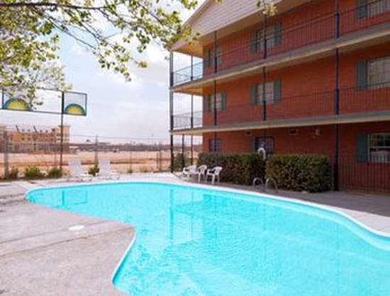 Days Inn Lubbock- Texas Tech University- 4th Street: Pool