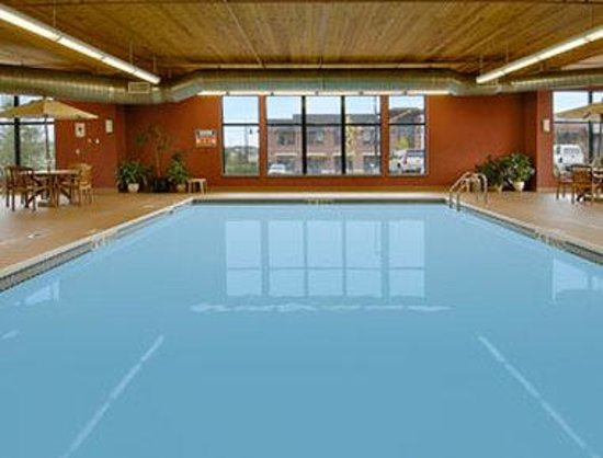 Days Inn & Suites Bozeman: Pool