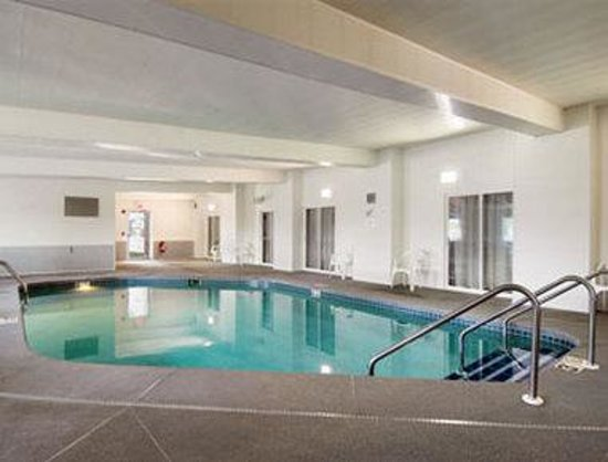 Days inn fond du lac updated 2017 prices hotel reviews wi tripadvisor for North fond du lac swimming pool