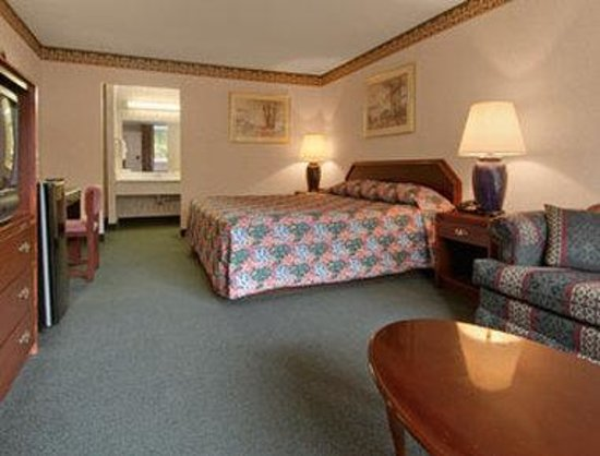 Days Inn Alexandria South : Standard King Bed Room