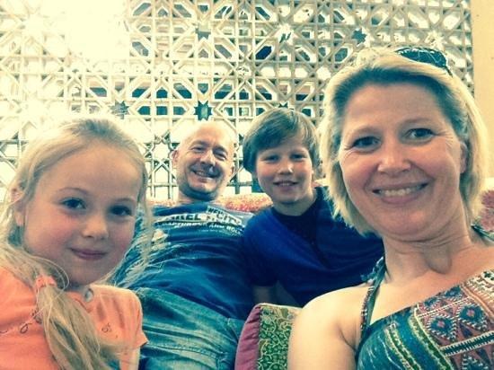 Phranakorn-Nornlen Hotel : happy family