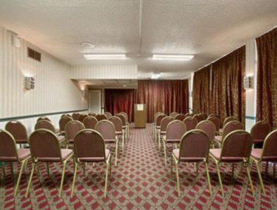 Days Inn Alexandria South: Meeting Room
