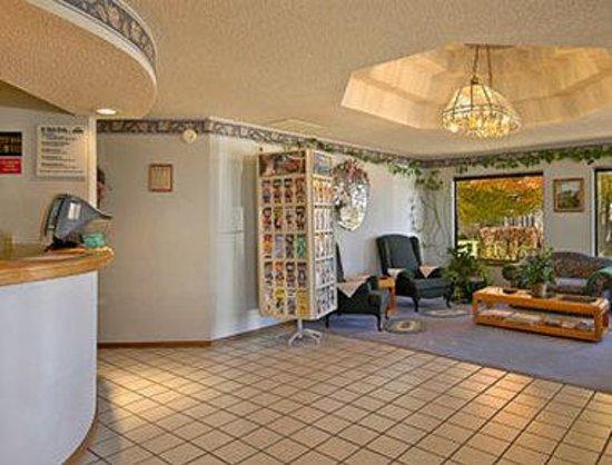 Days Inn Mountain Grove : Lobby