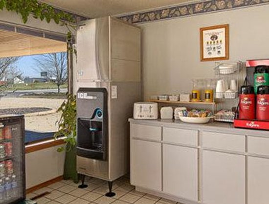 Days Inn Mountain Grove : Breakfast Area