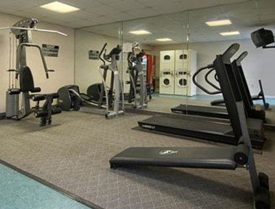 Days Inn Newport News/Oyster Point at City Center: Fitness Center