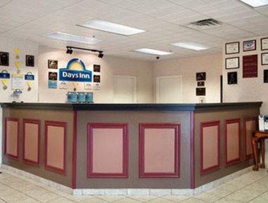 Days Inn Lebanon/Fort Indiantown Gap : Lobby