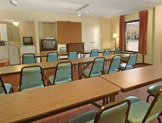 Days Inn Wilson: Meeting Room