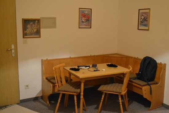 Gasthof zum Rassen: Spacious suite which could sleep up to 5 pax (at back of building)