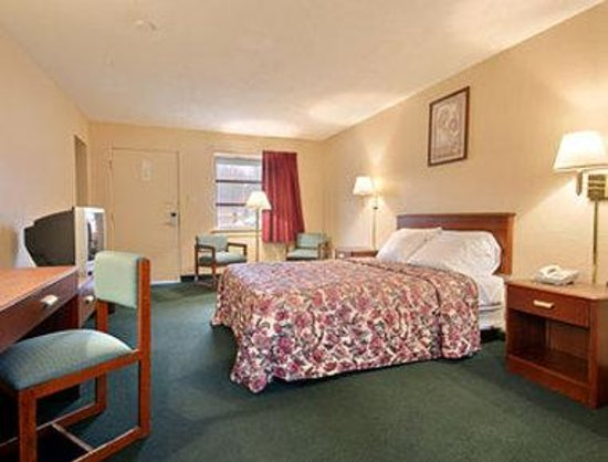 Knights Inn Tell City: Standard Queen Bed Room