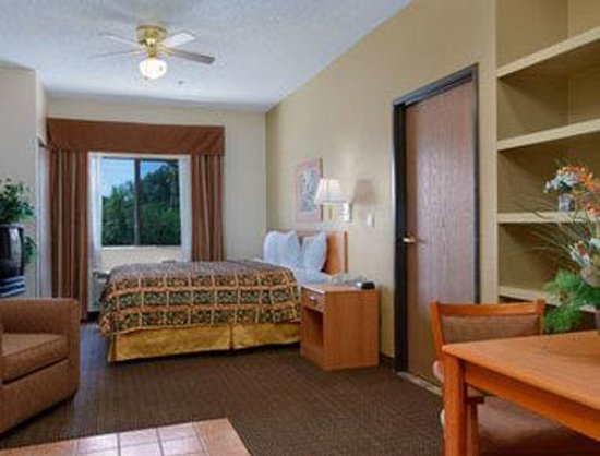 Days Inn Bernalillo: Suite King Bed Room