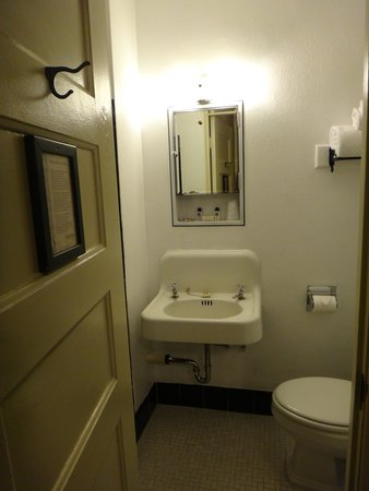 The Historic Hotel Congress: Tiny bathroom.