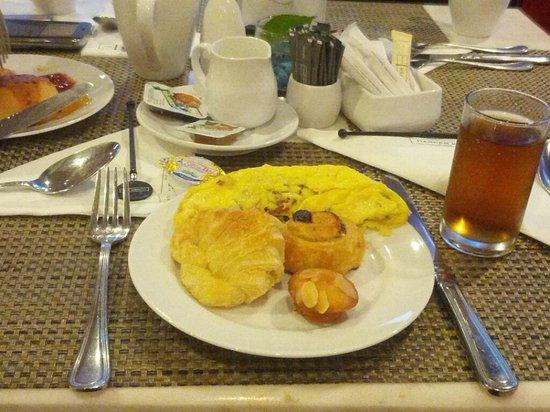 Harper Kuta: pastry tasteless