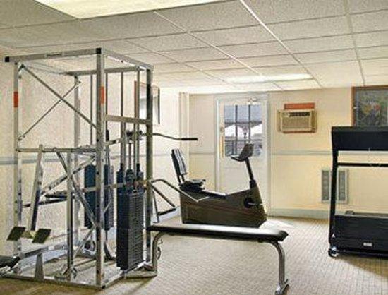 Days Inn - Columbus IN: Fitness Center