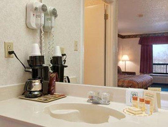 Days Inn Covington: Bathroom