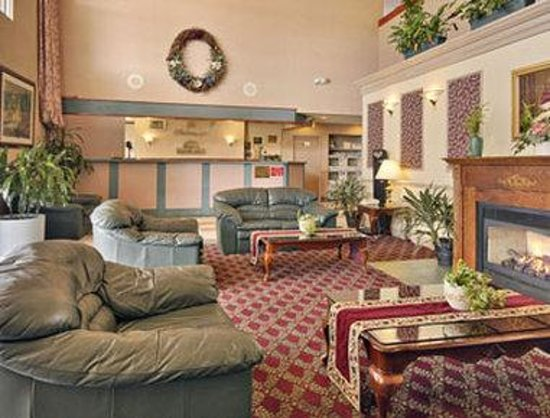 Days Inn Amp Suites Columbus East Airport Updated 2017