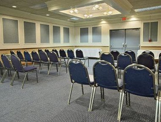 Days Inn & Suites Columbus East Airport: Meeting Room