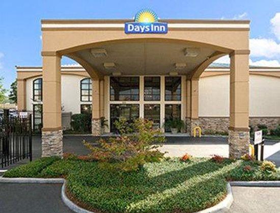 Days Inn & Suites Tuscaloosa - University of Alabama: Welcome To Days Inn Tuscaloosa