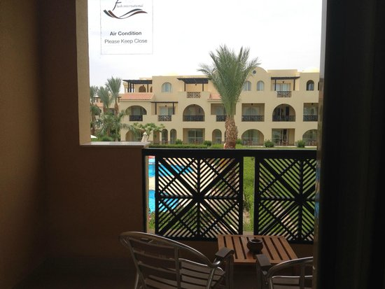 Stella Di Mare Beach Resort & Spa Makadi Bay: Vista dalla camera