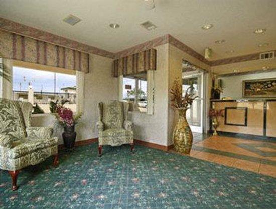 Days Inn Greenville: Lobby
