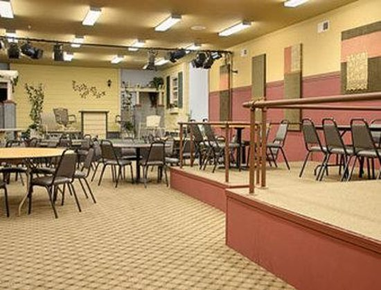 Days Inn Sutter Creek: Theater