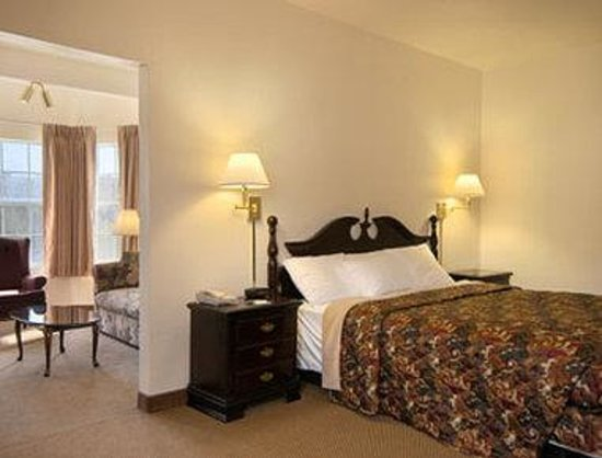 Days Inn Sutter Creek: Standard King Bed Room