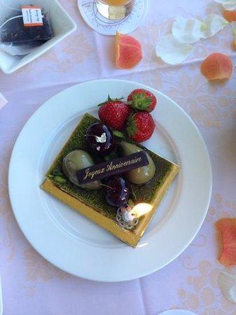 Château Saint-Martin & Spa : Birthday cake for breakfast