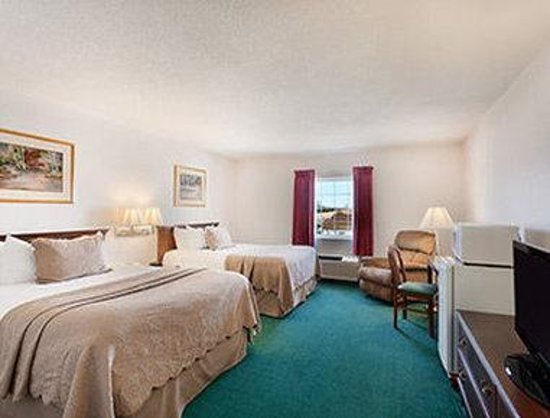 Days Inn Carrollton: Standard Two Queen Bed Room