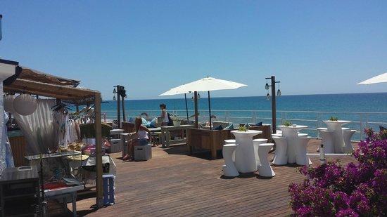 Vivero Beach Club Restaurant: caoté terasse bar
