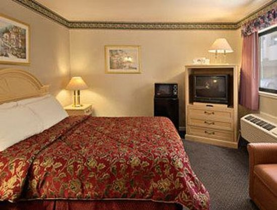 Days Inn San Francisco - Lombard: Standard King Bed Room
