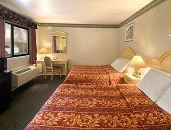 Days Inn San Francisco - Lombard: Standard Two Double Bed Room