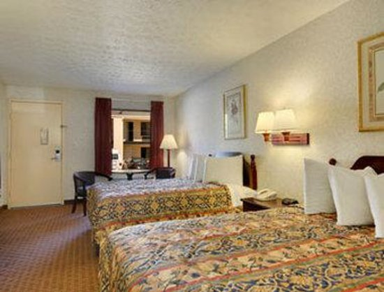 Days Inn Douglasville-Atlanta-Fairburn Road : Standard Two Queen Bed Room
