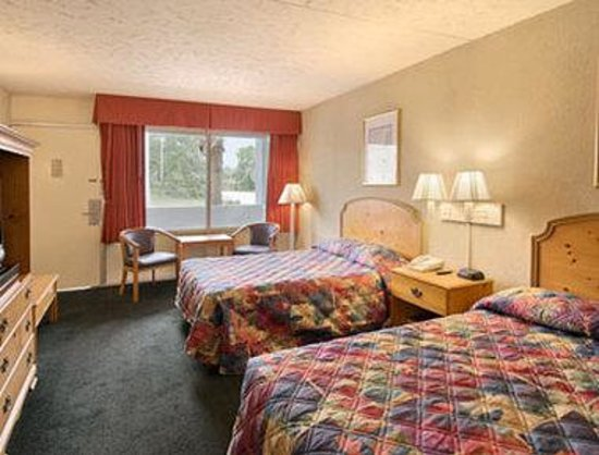 Days Inn Myrtle Beach-Grand Strand : Standard Two Double Bed Room