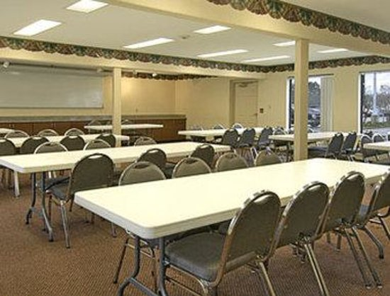 Days Inn & Suites Opelousas : Meeting Room