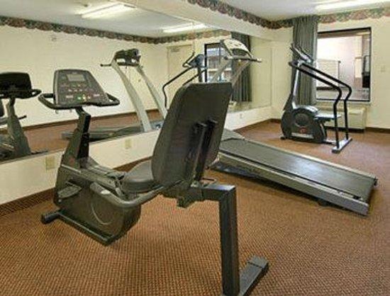 Days Inn & Suites Opelousas : Fitness Center