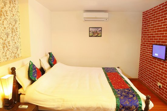 Hotel Mums Home Pvt Ltd: King deluxe