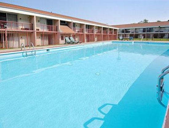 Days Inn Washington : Pool