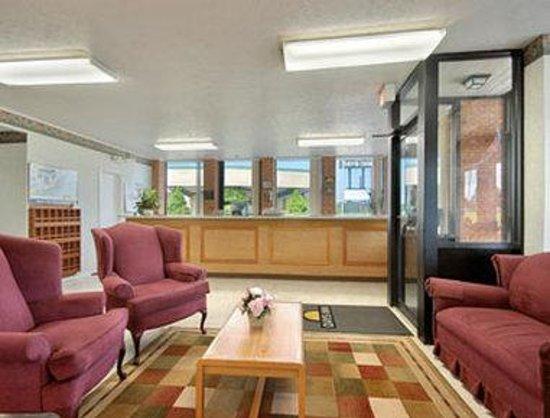 Days Inn Bedford : Lobby