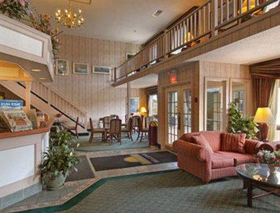 Days Inn Lebanon/Hanover: Lobby