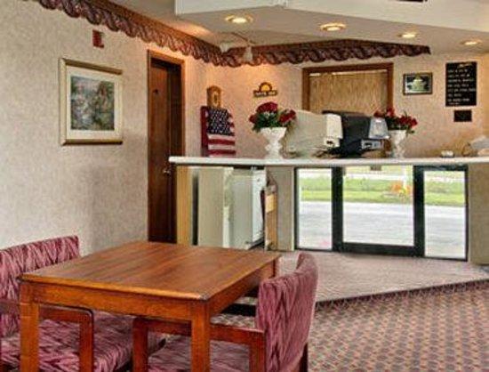 Mid Ohio Inn: Lobby