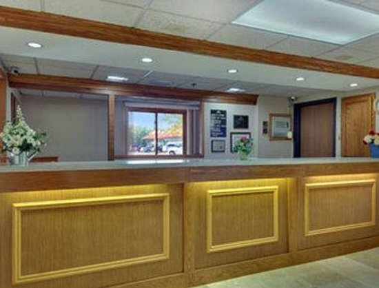 Days Inn Mounds View Twin Cities North : Lobby