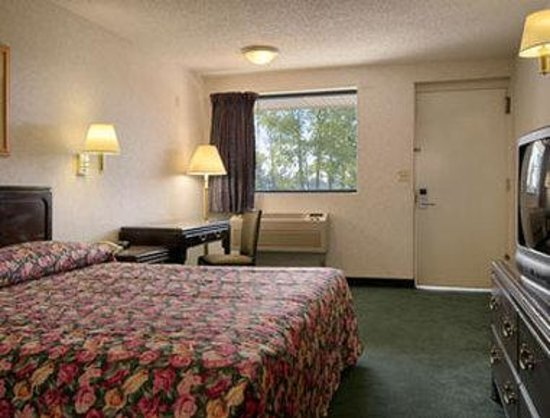 Photo of Days Inn Edison