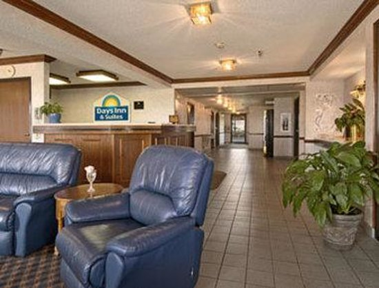Days Inn Pontoon Beach : Lobby