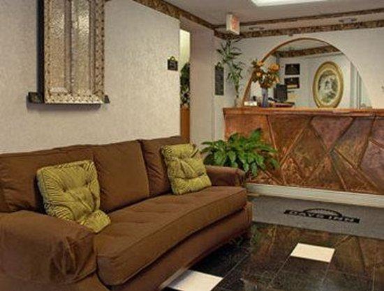 Days Inn Ridgefield: Lobby