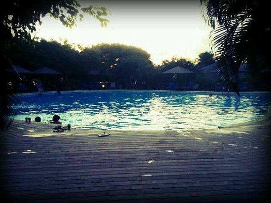Henry Morgan Resort: La piscina.