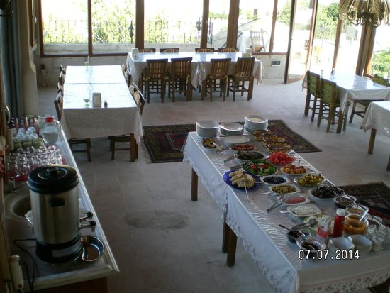 Nature Park Cave Hotel: Breakfast