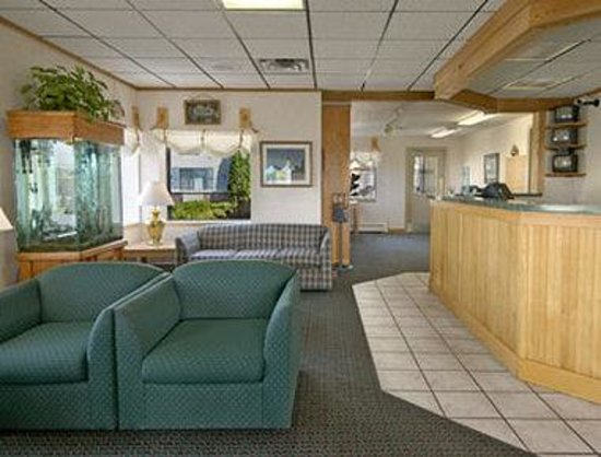 Days Inn Alpena: Lobby